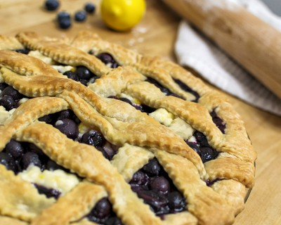 Blueberry pie with thyme and goat cheese